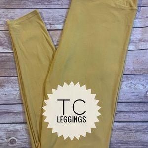 LuLaRoe Tall & Curvy Leggings